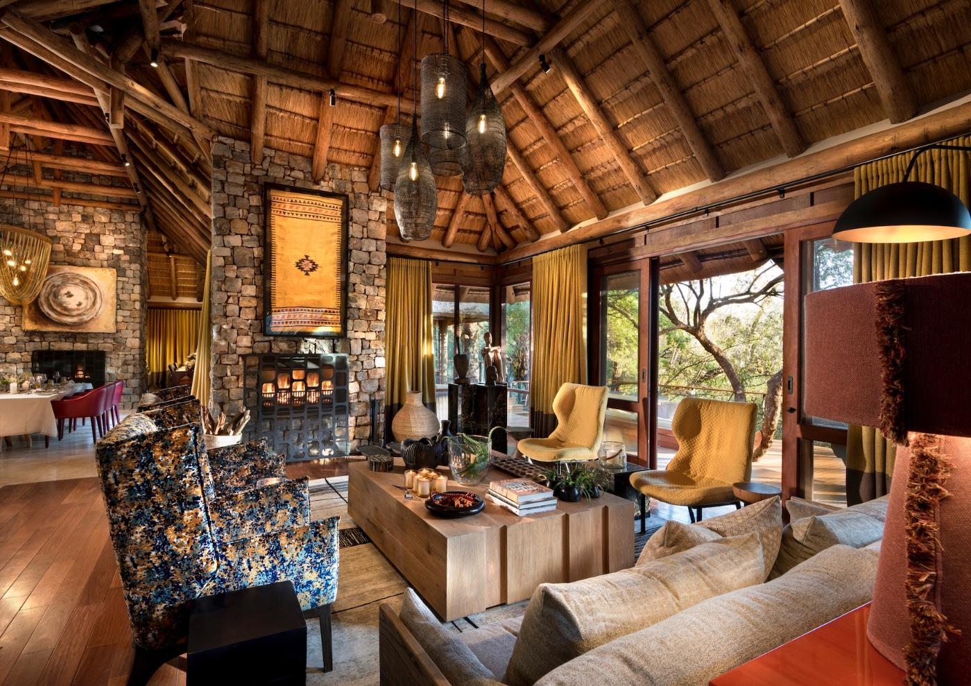 Morukuru, Living Room, Interior design, Decorate, Art, Lounge, Seating, Armchairs, Indoor lighting